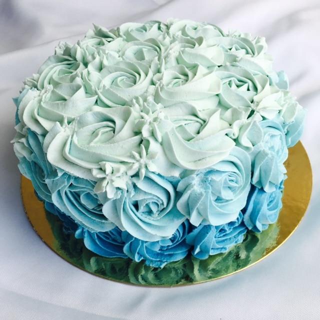 Rose cake bleu - Cake design, Rose cake - Les Délices de Mary